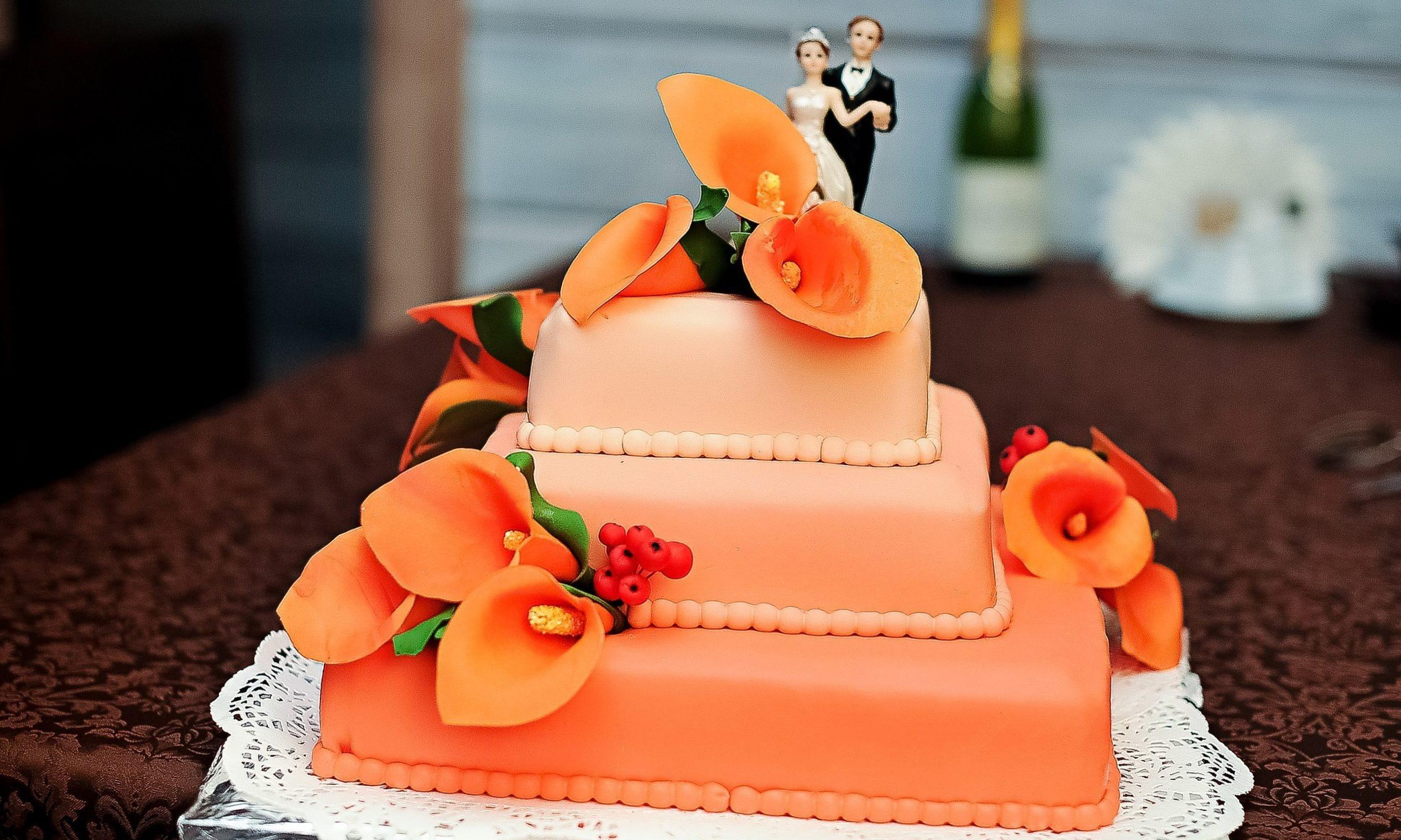 Оранжевый торт на свадьбу
