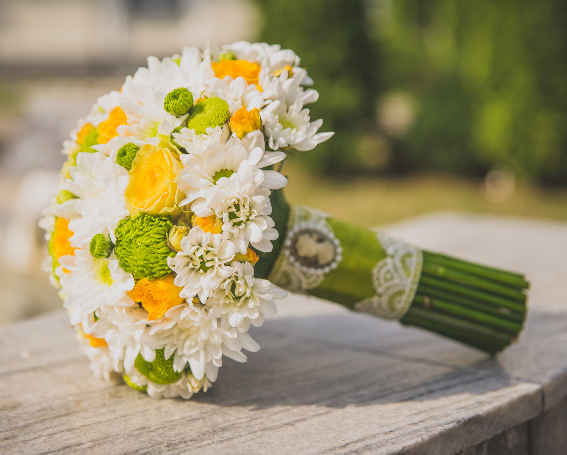 Свадебные букеты под платья цвета айвори фото