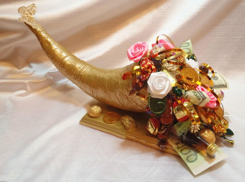 Композиция из конфет на свадьбу