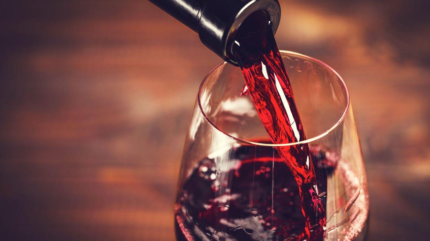 Какое вино на свадьбу выбрать